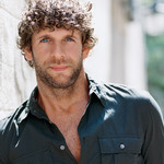 View artist Billy Currington