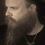 View artist Jamey Johnson