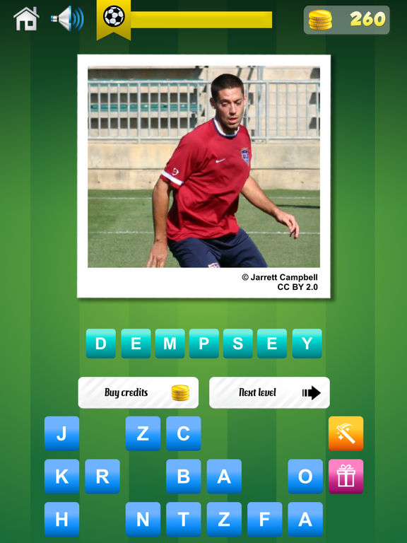 Soccer Quiz - Guess the Famous Football Player! screenshot